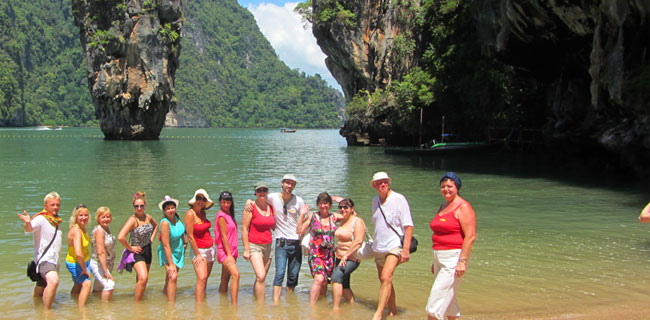 Phang Nga Bay. Team Game